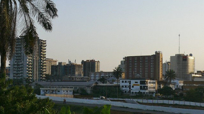 Featured image: Douala (TRAVELS WORLD via Twitter)
