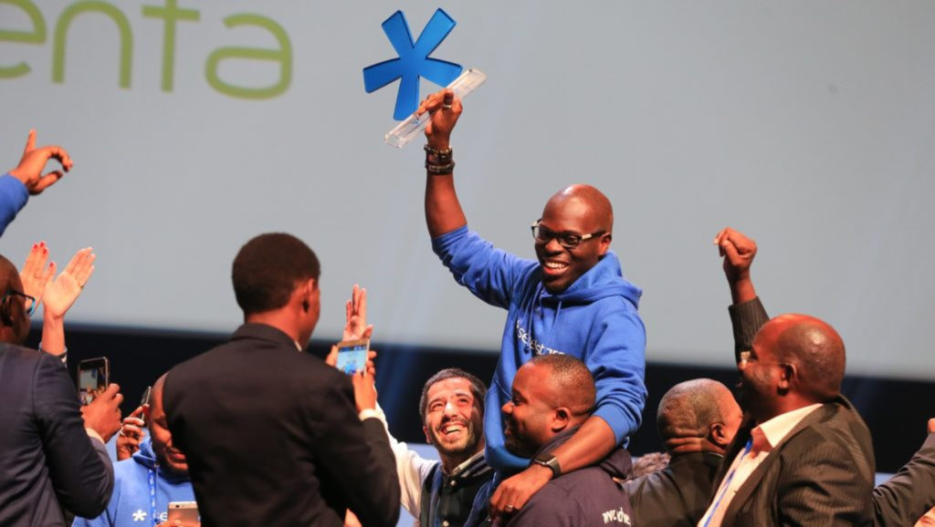 Featured image: AgroCenta CEO and co-founder Francis Obirikorang accepting the startup's Seedstars Global Winner award at the 2018 Seedstars Summit (Supplied)