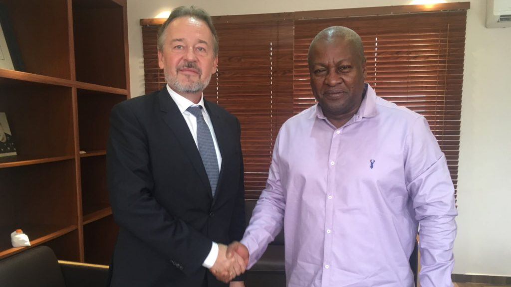Featured image, left to right: German ambassador to Ghana Christoph Retzlaff with former Ghanaian president John Dramani Mahama (Christoph Retzlaff via Twitter)