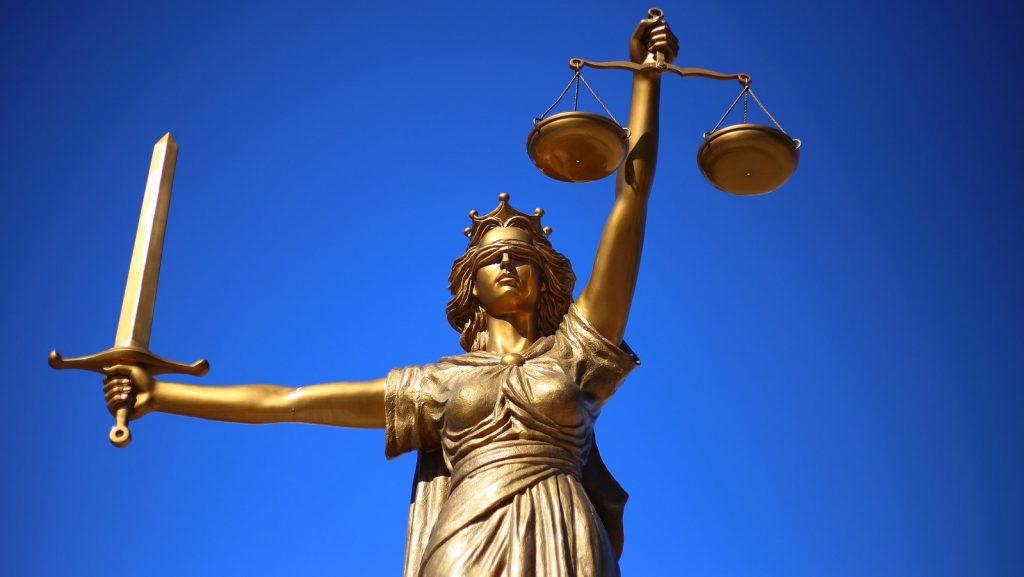 via https://pixabay.com/photos/justice-statue-lady-justice-2060093/