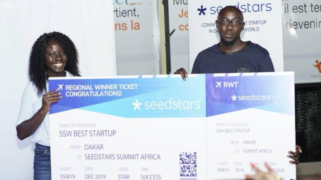 Featured image: Seedstars Dakar winner Afrikamart team members including Afrikamart founder and COOAlbert Diouf pitching at (Seedstars via Twitter)