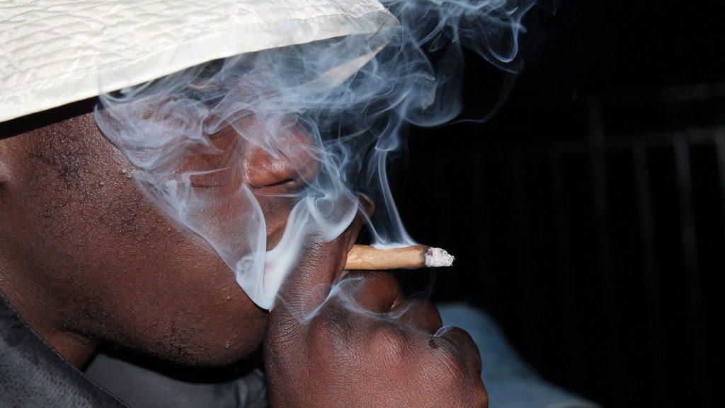 https://pixabay.com/photos/smoke-weed-marijuana-joint-1216032/