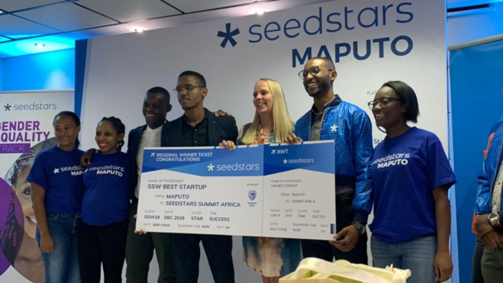 Featured image: Txapita Mobility team members receiving their prize at Seedstars Maputo (Supplied)