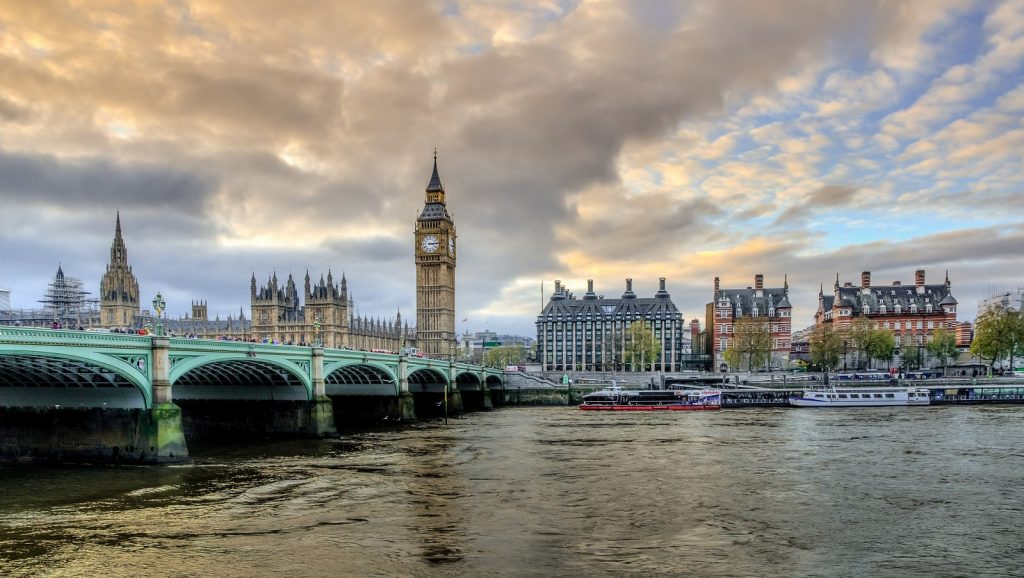 via https://pixabay.com/photos/london-victoria-big-ben-1335477/