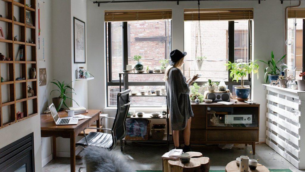 https://pixabay.com/photos/home-indoors-decor-design-creative-2618511/