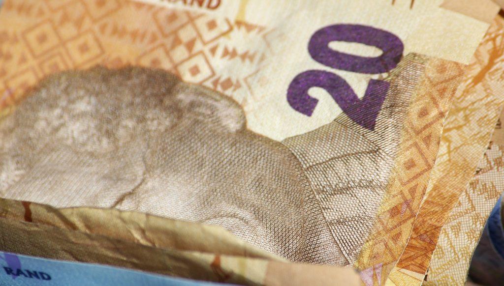 https://pixabay.com/photos/dollar-bill-edge-south-africa-596165/